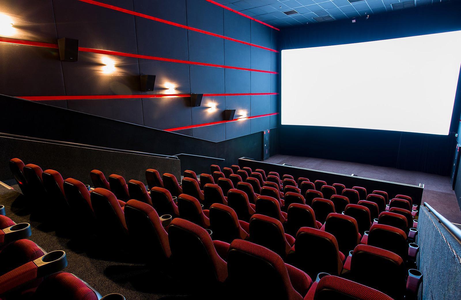 В кинотеатре «Искра» на севере столицы 25 января снизят цены для учащихся столичных вузов